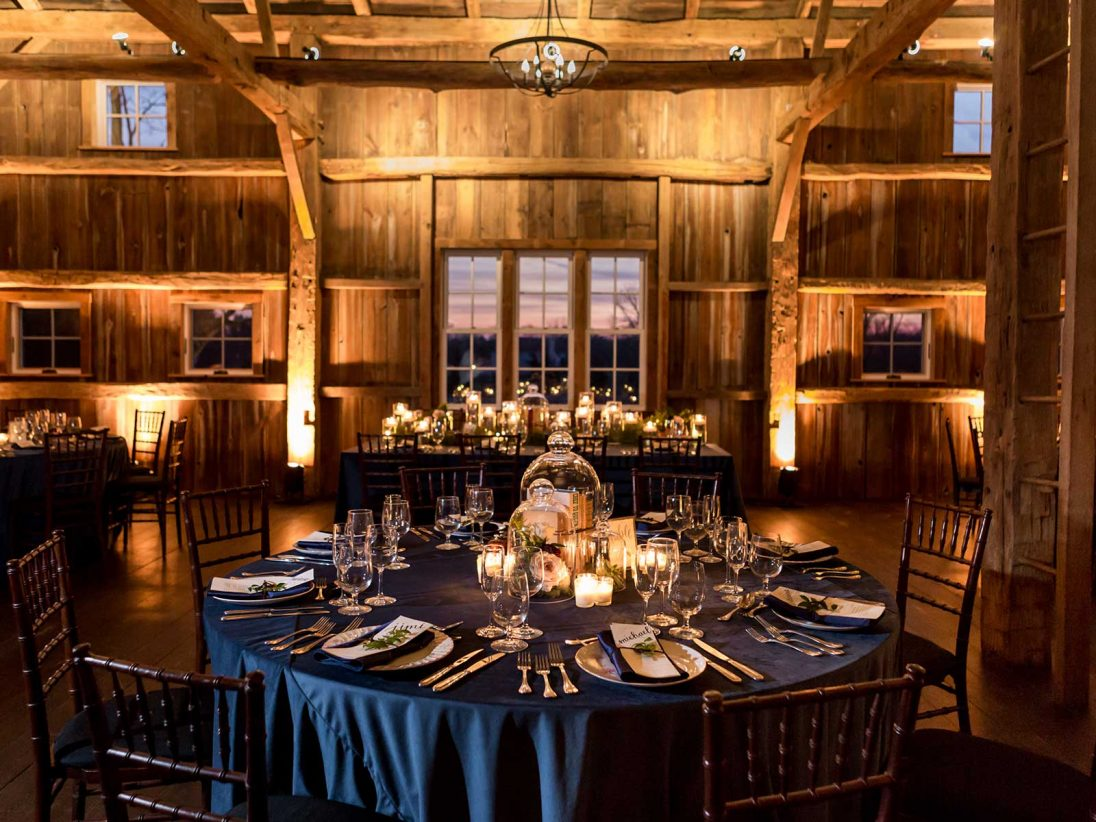 table seating arrangement in barn