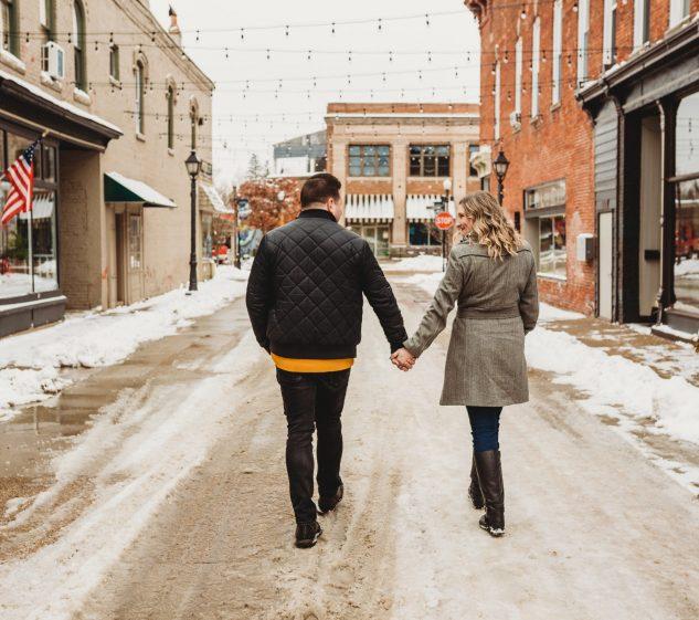 Brides Guide to Postponing Her Wedding
